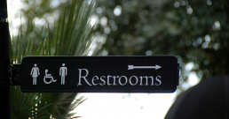 about-accessaloo-app-accessible-restrooms-sign-accessible-toilet